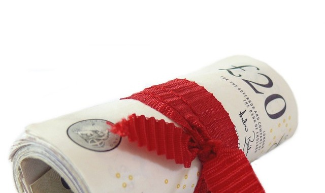 Como queda la retribución de los directivos de Bancos y Cajas intervenidas.